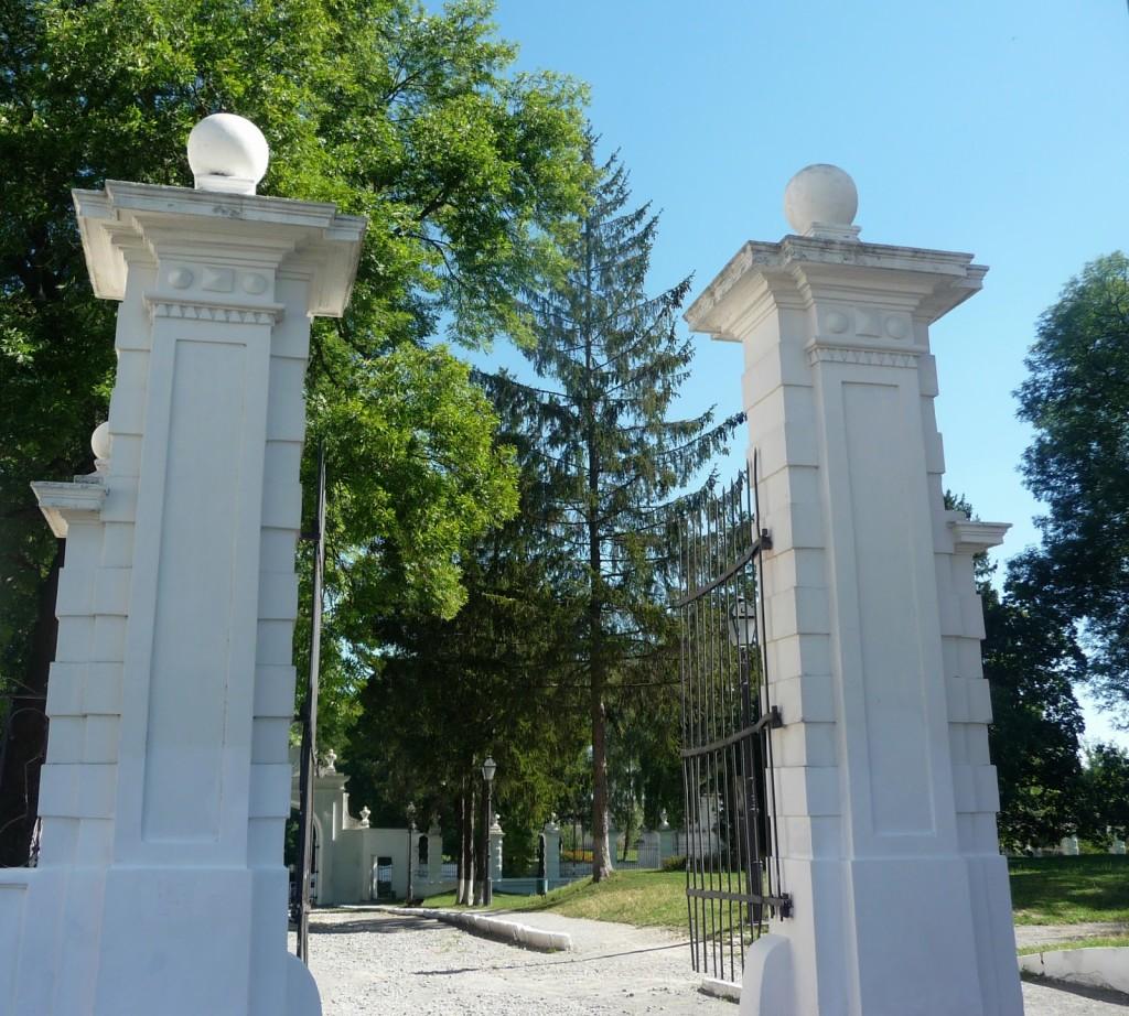 trip-impressions-ukraine-vishn_vec'-zamok-P1140048