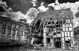 Консультує юрист: як списати неіснуючий будинок