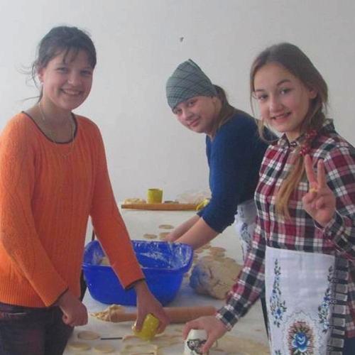 Солодкі смаколики для учасників ООС готували учні Бодаківської школи