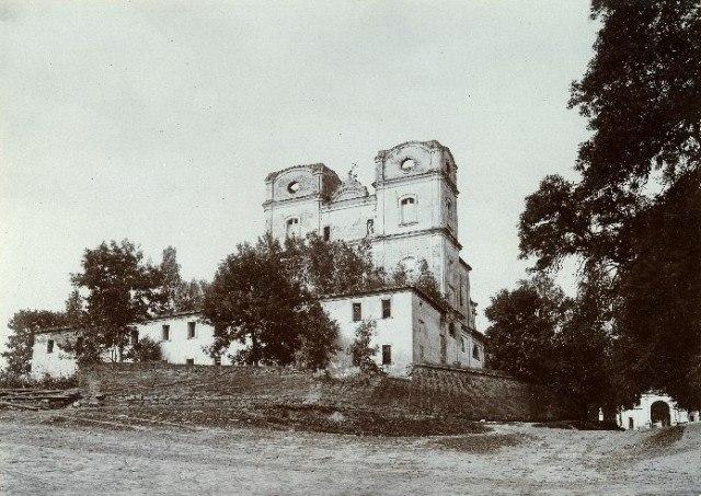 кармелітів монастир та костел (2)